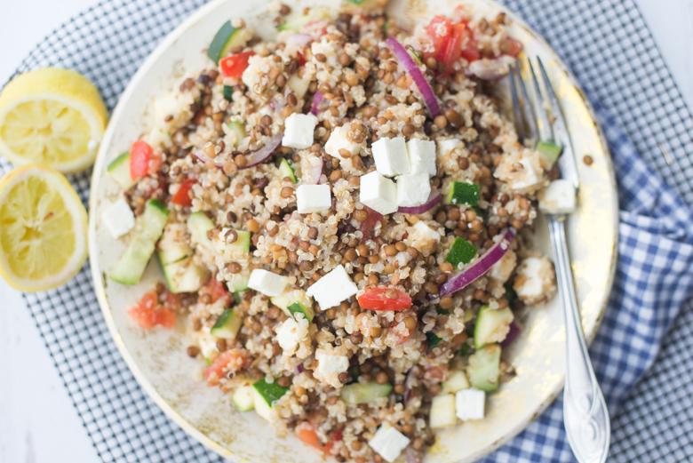Griekse linzensalade met quinoa