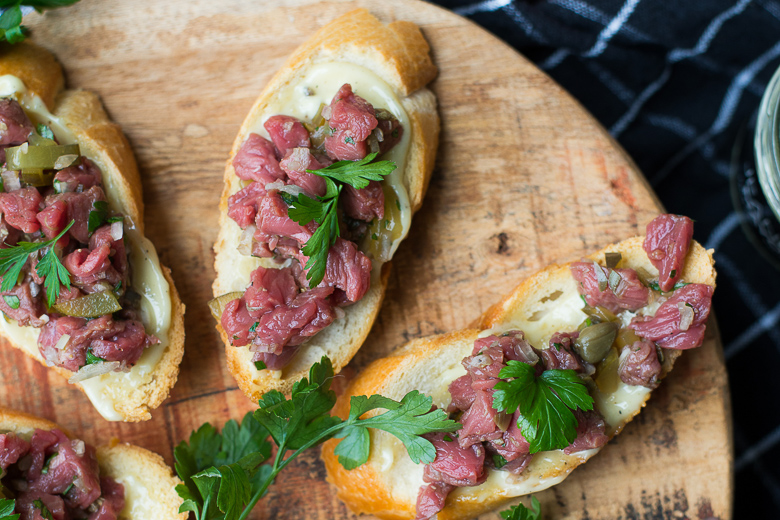 Crostini met Steak Tartaar