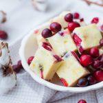 Witte chocoladefudge met cranberries