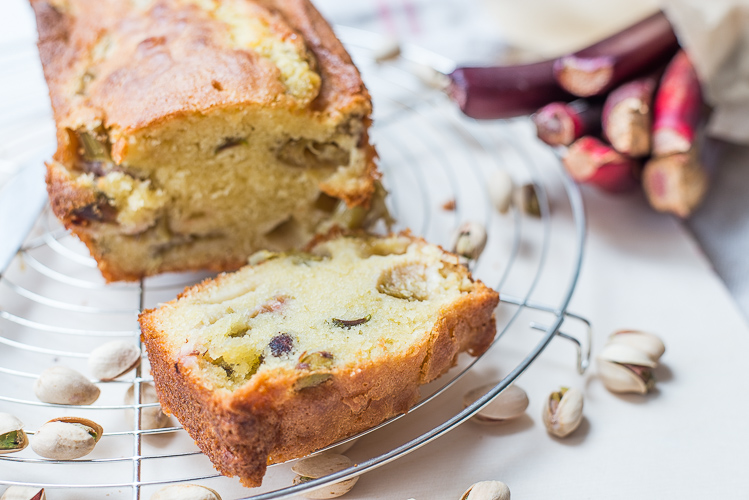 Rabarber-pistachecake