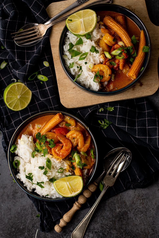 Gele curry met babymais en knoflookgarnalen