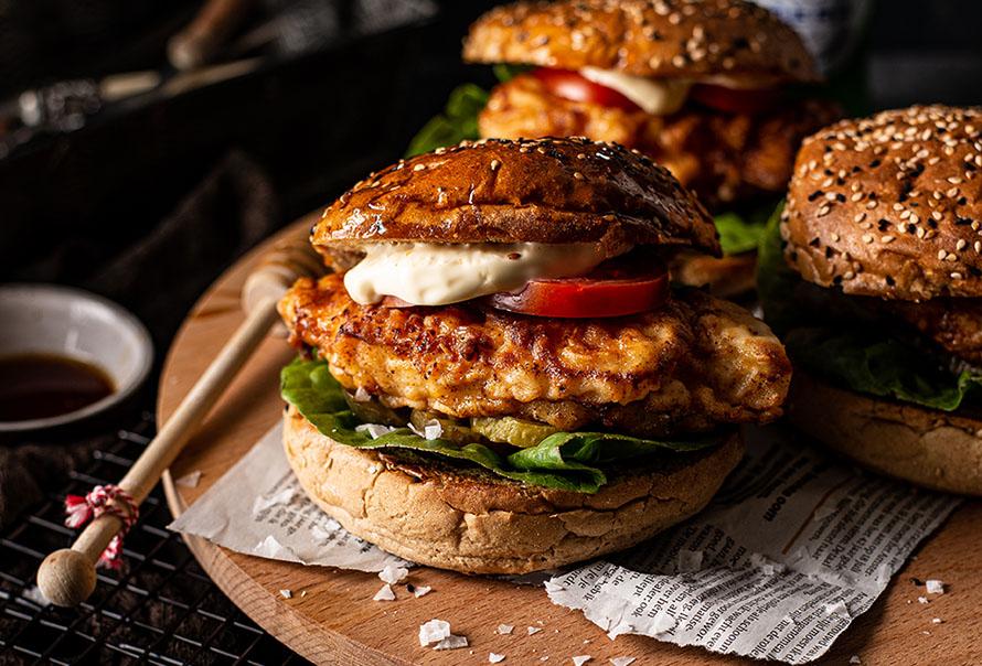 Krokante honing-kipburger